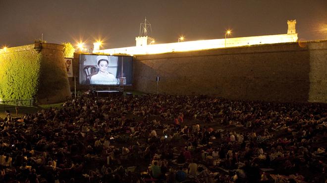 cine al aire libre ciutat vella